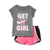 Nike Kids Graphic T-Shirt and Sprinter Shorts Two-Piece Set (Little Kids)